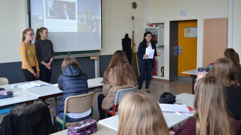 Besuch im Anne-Frank-Gymnasium in Halver im Rahmen der Europawoche