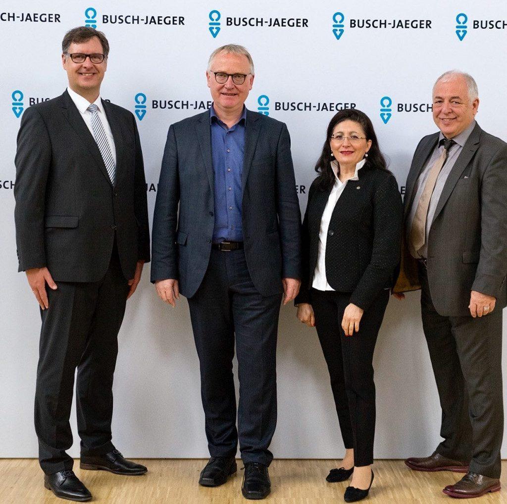 Gemeinsam mit MdB Klaus Mindrup zu Besuch bei Busch-Jaeger Elektro
