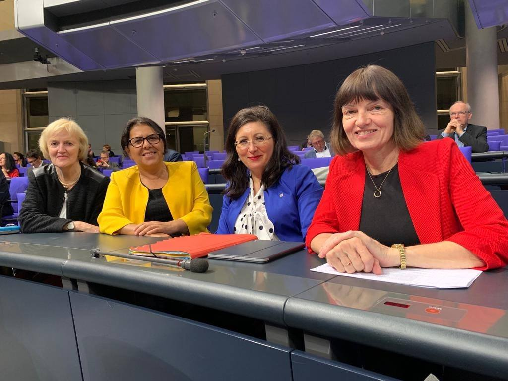 Im Plenum - mit Ursula Schulte, Gülistan Yüksel und Ingrid Arndt-Brauer