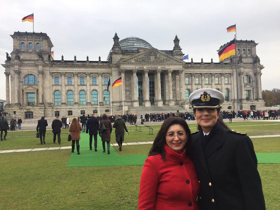 Mit Offizierin Nariman Hammouti-Reinke, Autorin des Buches Ich diene Deutschland
