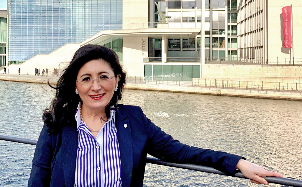 nezahat baradari - kinderärztin - Mitglied des Bundestags SPD - Kreis Olpe / Märkischer Kreis