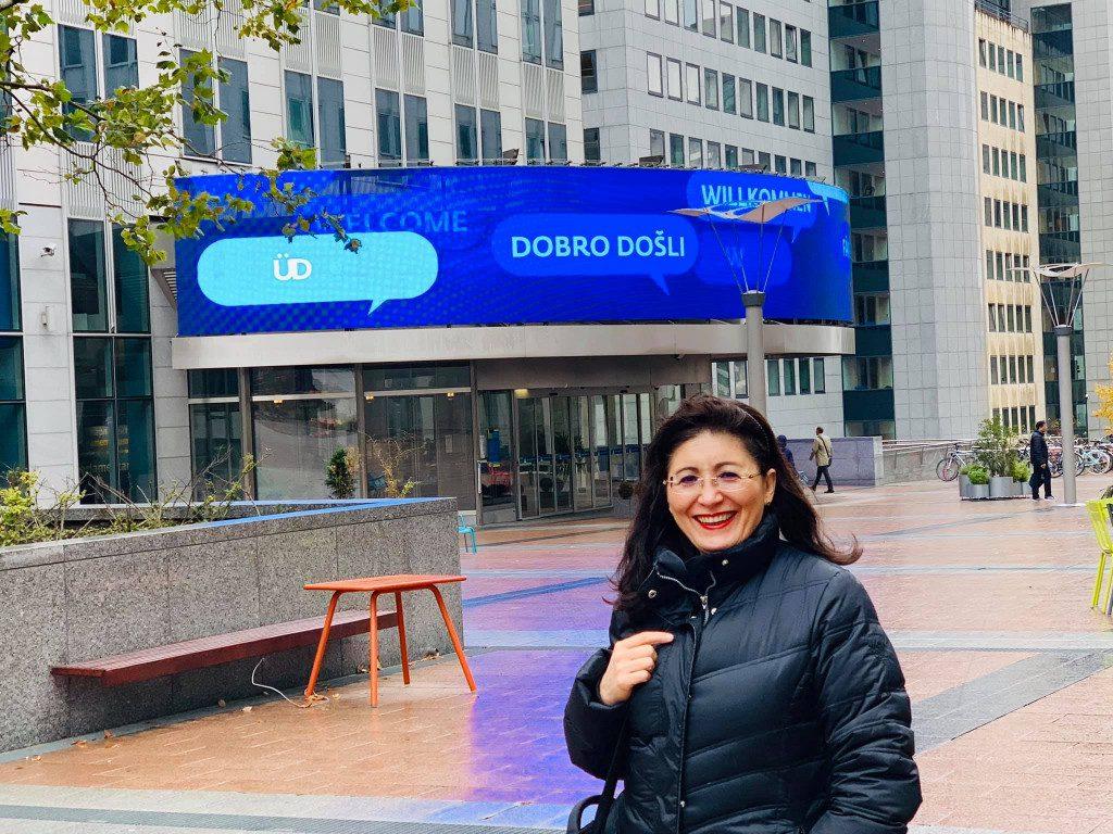 Vor dem Parlamentarium in Brüssel